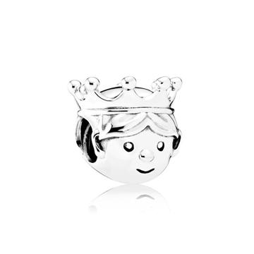 Charm PANDORA de plata, una joya para mujer