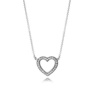 Colgante PANDORA en nuestro catálogo de joyas para señora